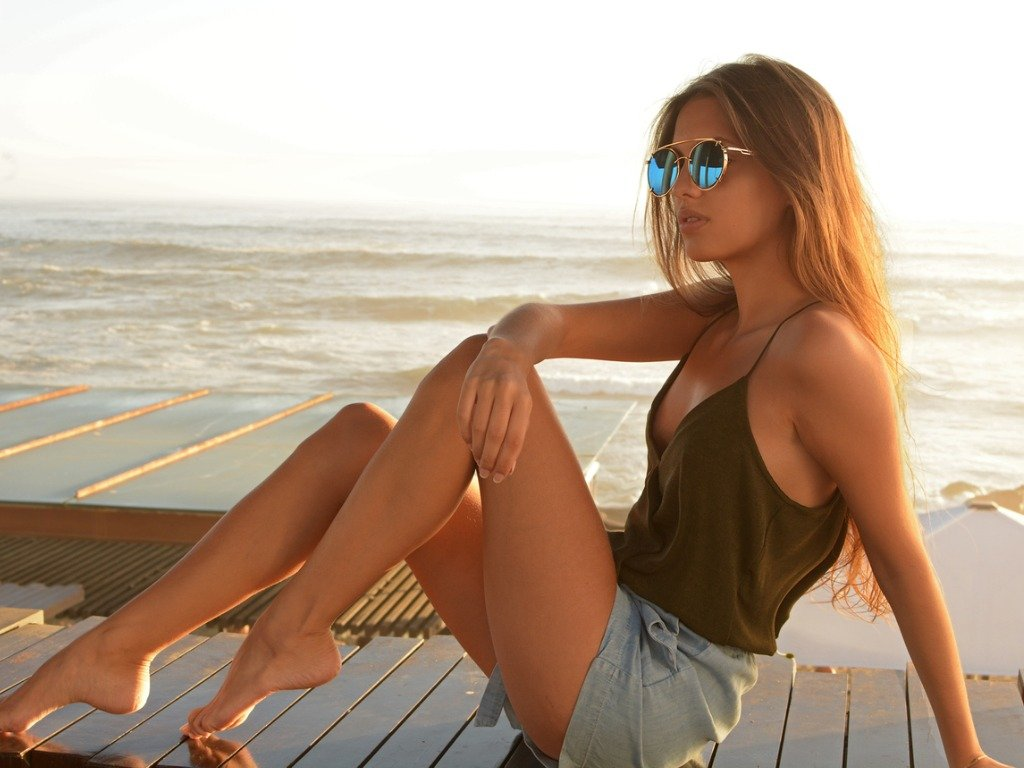 outdoor-summer-lifestyle-image-of-young-pretty-hipster-woman-wearing-picture-id1134929501